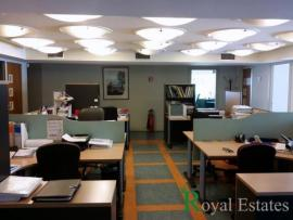 For rent luxury furnished office space in Maroussi at a central point