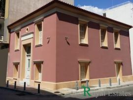 Neoclassical building rent in Psiri Athens