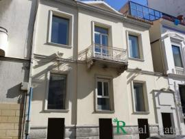 For rent preserved independent renovated building centrally located in Kolonaki