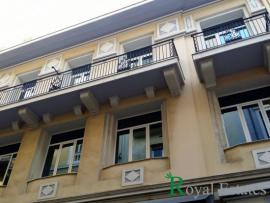Available for rent commercial space in neoclassical building in Athens Syntagma